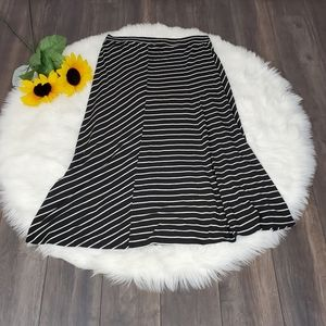 Torrid Maxi Skirt Plus 2X Black White Striped Knit